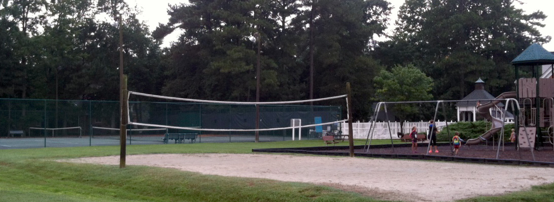 Cheshire Forest include a sand volleyball court, two tennis courts which can be lit up at night, two playgrounds, a swimming pool, and a clubhouse.